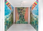 """Da descoberta de mundos"", site-specific instalation view, wallpaper, 885cm x 270cm, 2012."